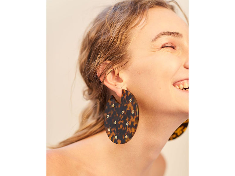 Vanda Jacintho: Studded acrylic earrings