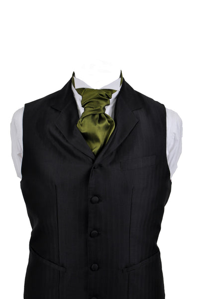 Cravat in green silk taffeta