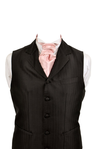 Cravat in pale pink silk taffeta