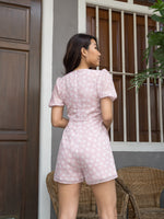 Load image into Gallery viewer, MADEBYTDA DAISY PLEATED ROMPER (PINK)