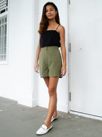 Load image into Gallery viewer, EVIE LINEN SHORTS (OLIVE)