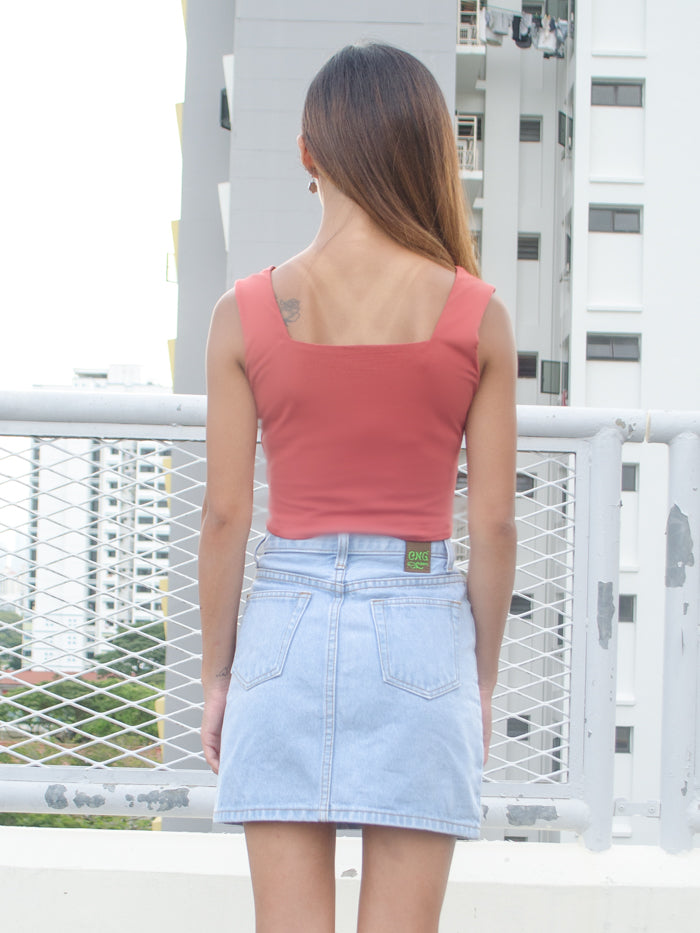JEN BASIC CROP TOP (RUST)