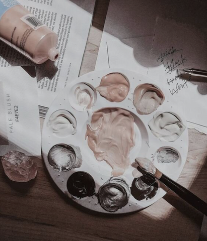 Paint palette with nude paint tones