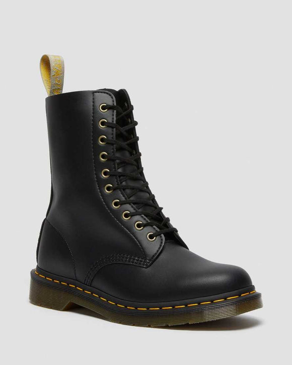 1490 Vegan Black Felix Rub Off Boots