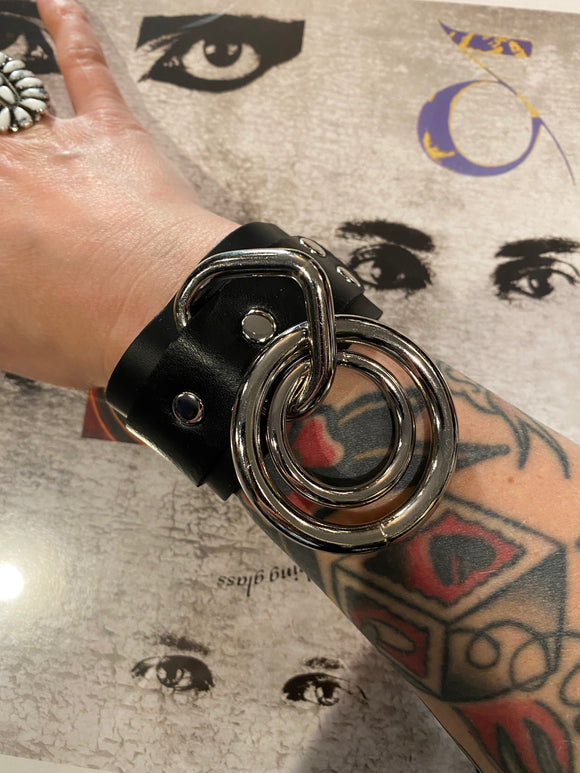 Double Bondage Ring Wristband