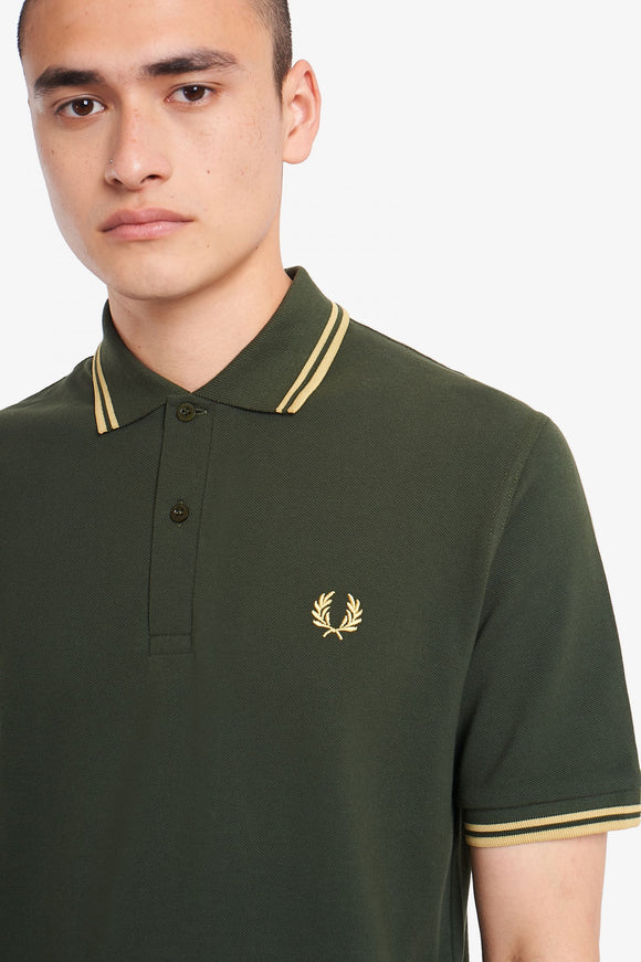 Fred Perry Polo Hunting Green / Champagne
