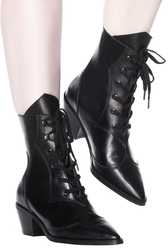 Raven Pointed Toe Boots