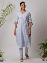 Load image into Gallery viewer, Blue Solid Kurta