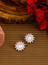 Load image into Gallery viewer, Flower Shaped Rosegold Studs