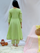 Load image into Gallery viewer, Green Embroidered Anarkali Kurta