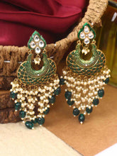 Load image into Gallery viewer, Green Kunda Earrings