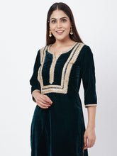 Load image into Gallery viewer, Green Solid Kurta Pant Set - The Wedding Brigade
