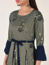 Load image into Gallery viewer, Grey Floral Print Flared Maxi Dress