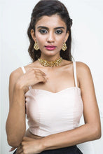 Load image into Gallery viewer, Karishma Kundan Choker Set