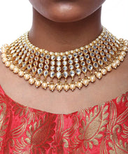 Load image into Gallery viewer, Kundan and Pearl Drop Shape Necklace - The Wedding Brigade