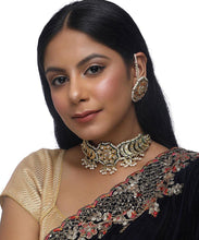 Load image into Gallery viewer, Kundan Choker and Earring Set