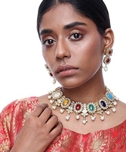 Load image into Gallery viewer, Kundan Stone Necklace and Earrings Set