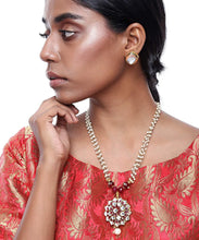 Load image into Gallery viewer, Maroon Kundan Necklace and Studs Set