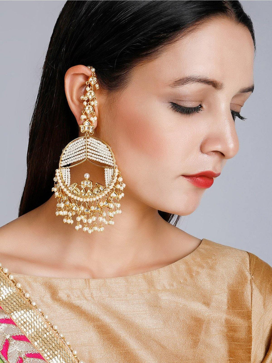 Pearl Round Kundan Earrings - The Wedding Brigade