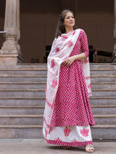 Load image into Gallery viewer, Pink Checkered Kurta Skirt Set