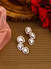 Load image into Gallery viewer, Rosegold Earrings