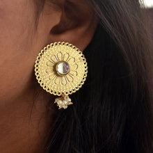 Load image into Gallery viewer, Round Kundan Earring