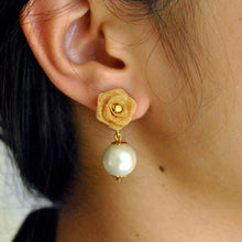 Load image into Gallery viewer, The Little Rose Earrings
