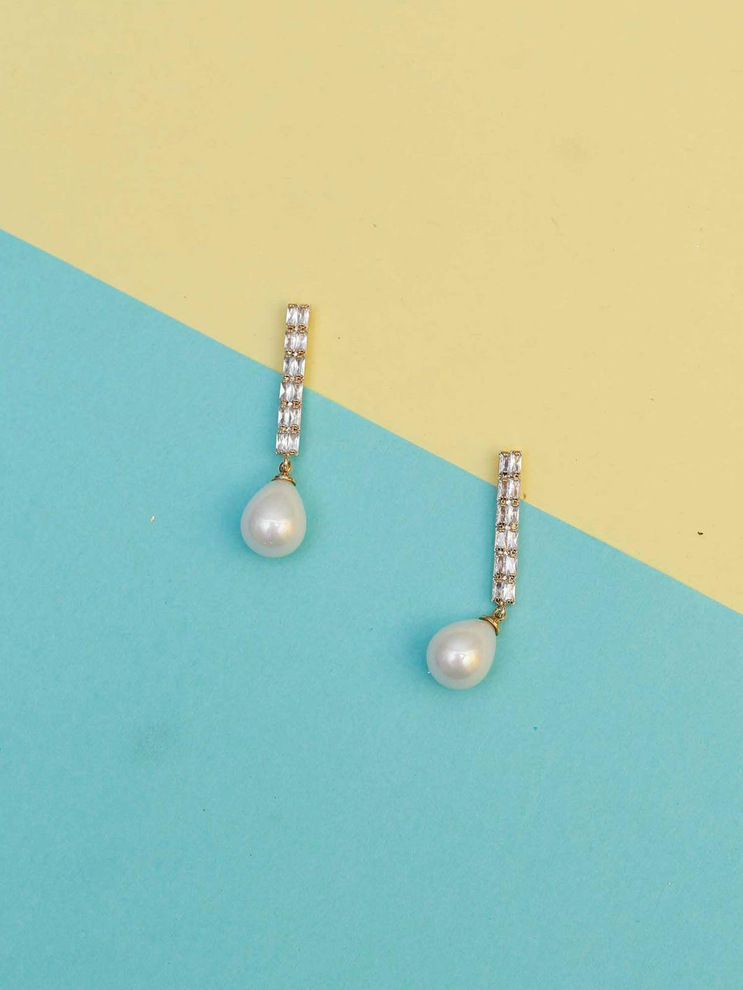White Danglers With Pearl