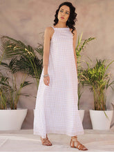 Load image into Gallery viewer, White Pleated Maxi Dress