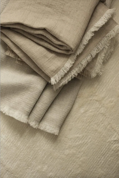 Dark Olive Green Fishbone Linen Throw/Bedspread White ROOTS LIVING Davanti Home Ideas