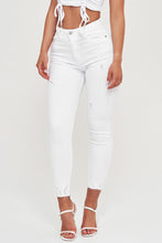 Lade das Bild in den Galerie-Viewer, Weiße High Waist Basis Jeans
