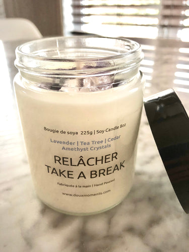 SCENTED SOY CANDLE WITH CRYSTALS | TAKE A BREAK