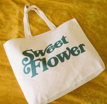Load image into Gallery viewer, Sweet Flower x Free & Easy Tote