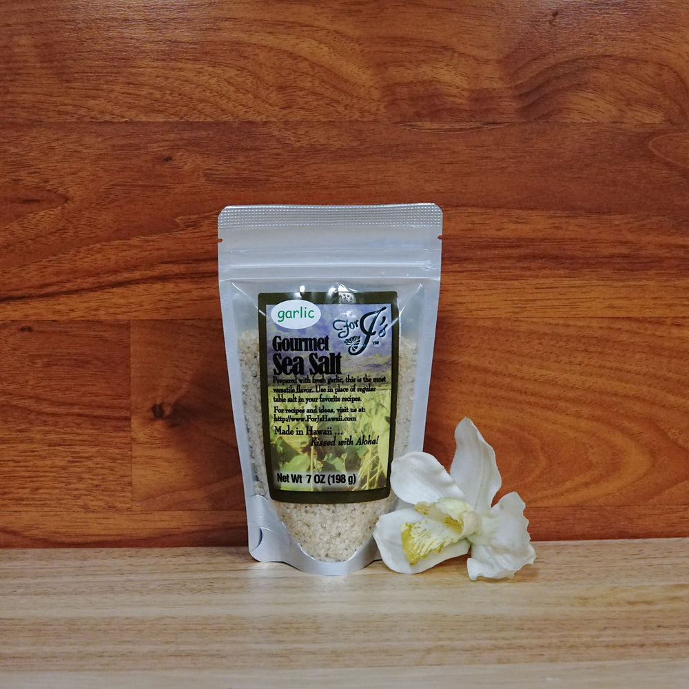 7 oz Garlic Sea Salt on a wooden background.
