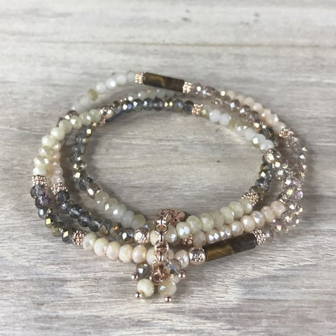 BRACELET OPAL WHITE/TAUPE TRIPLE W/SMALL STONES CHARM