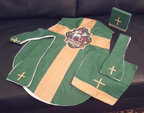 Child's Mini Fiddleback Vestment Set Green Victorious Lamb Design Age 4-6 - St. Benedict's Catholic Store