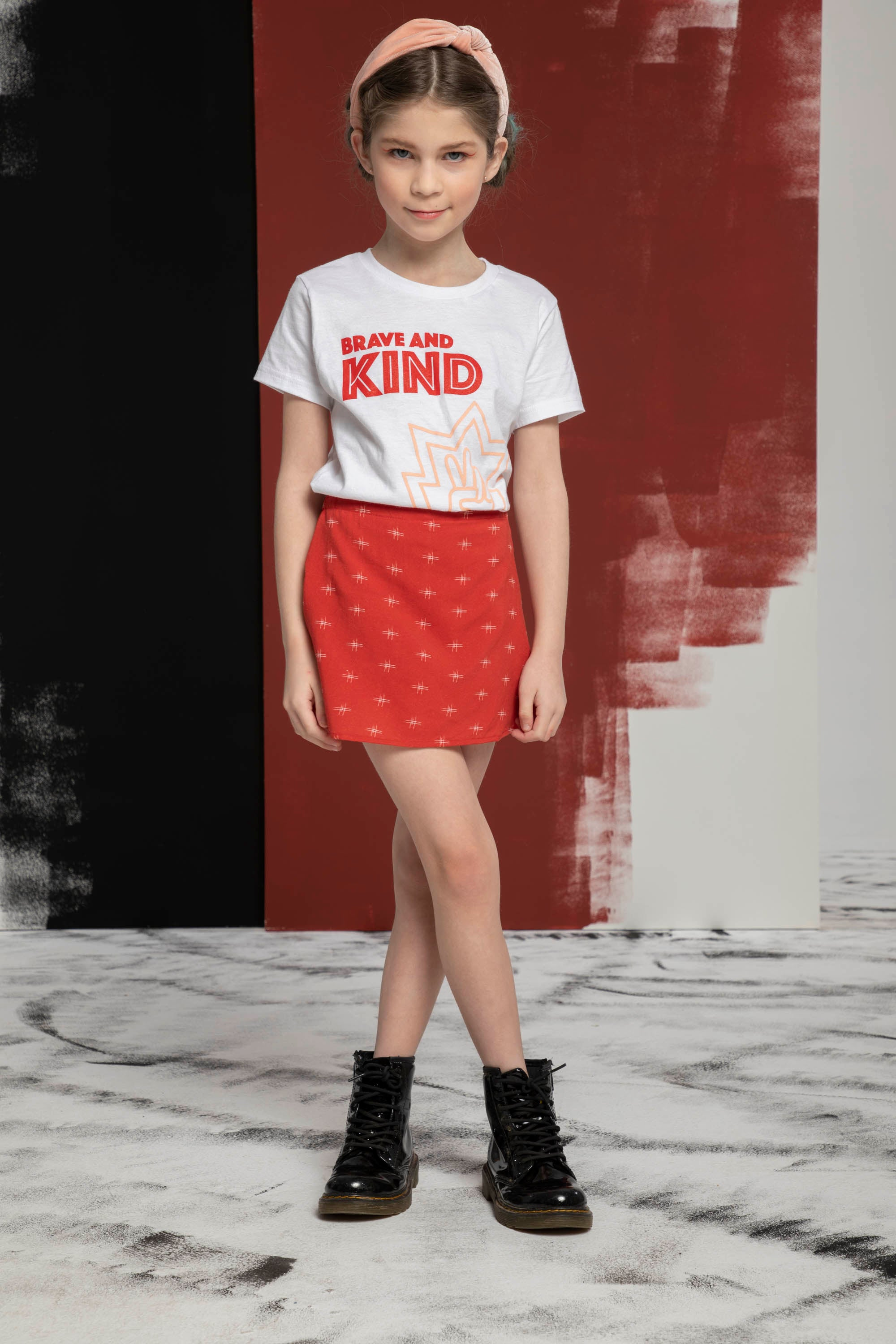 Brave & Kind T-Shirt (MORE COLORS)