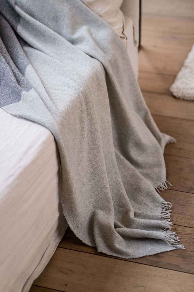 Cashmere Travel Blanket | Duo Grey