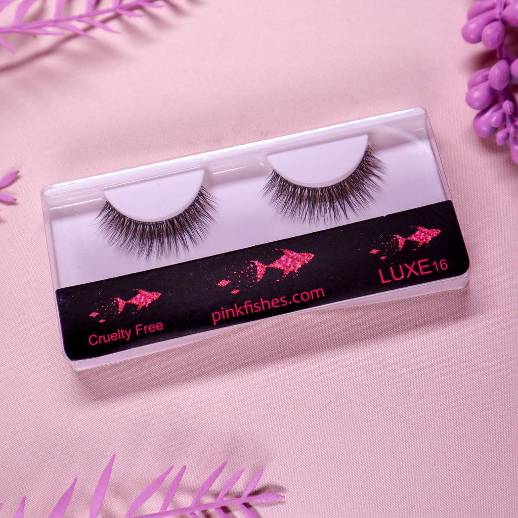 MUA Strip Lashes LUXE16