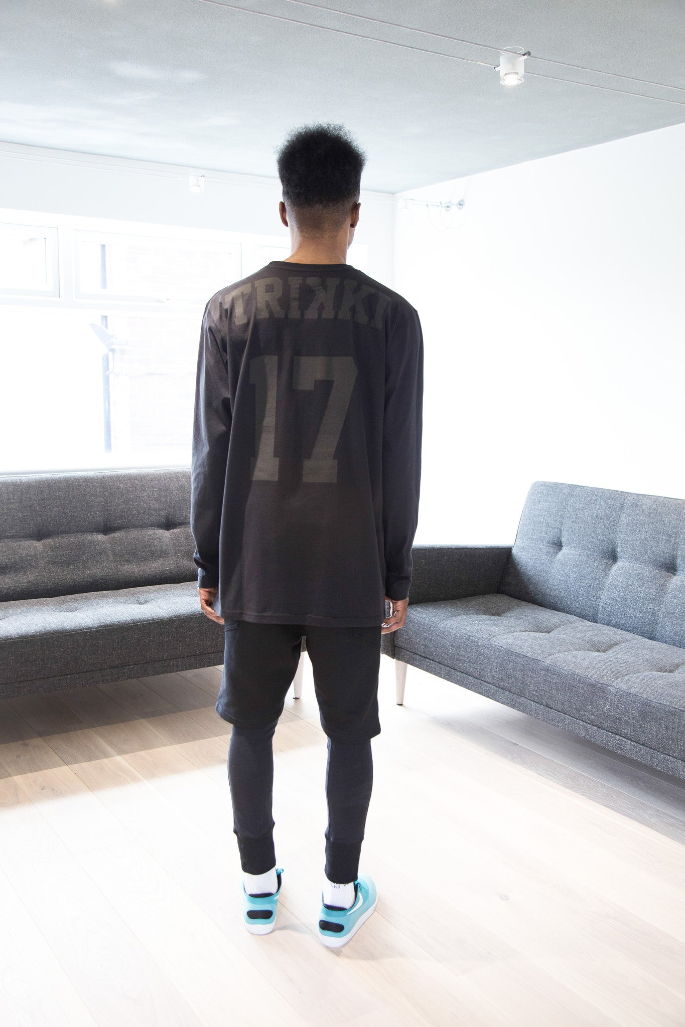 STRIKE : long sleeve t-shirt : oversized : black