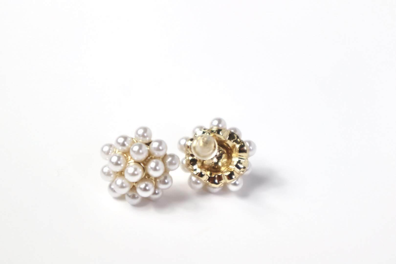 Honeycomb of Pearl Stud Earrings Earrings AABÁ Boutique
