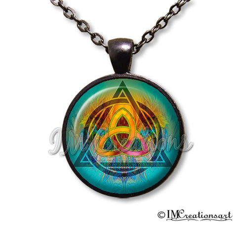 Triquetra Rainbow in Turquoise