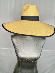 Wide Straw Brim