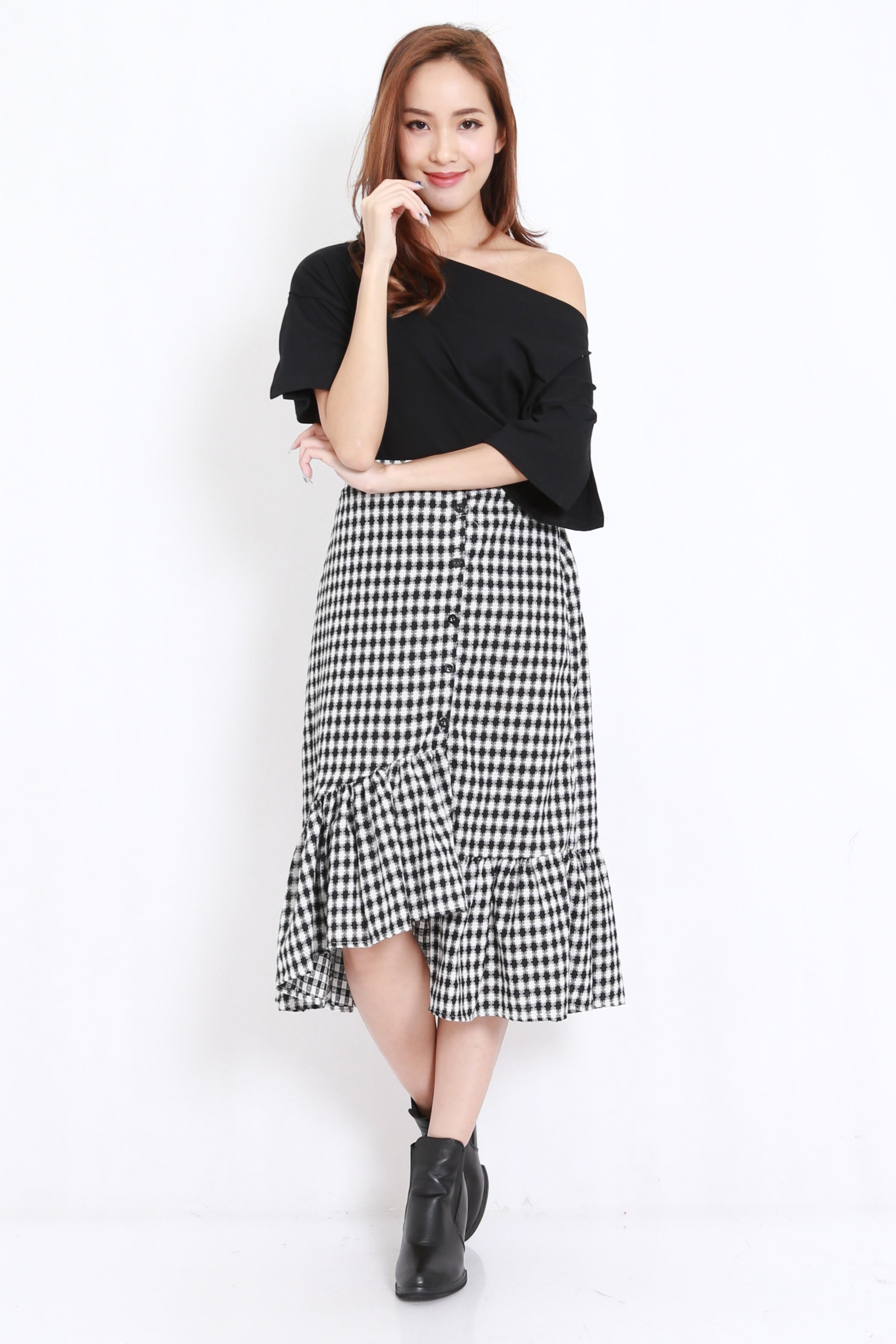 Asymmetrical Gingham Skirt (Black)