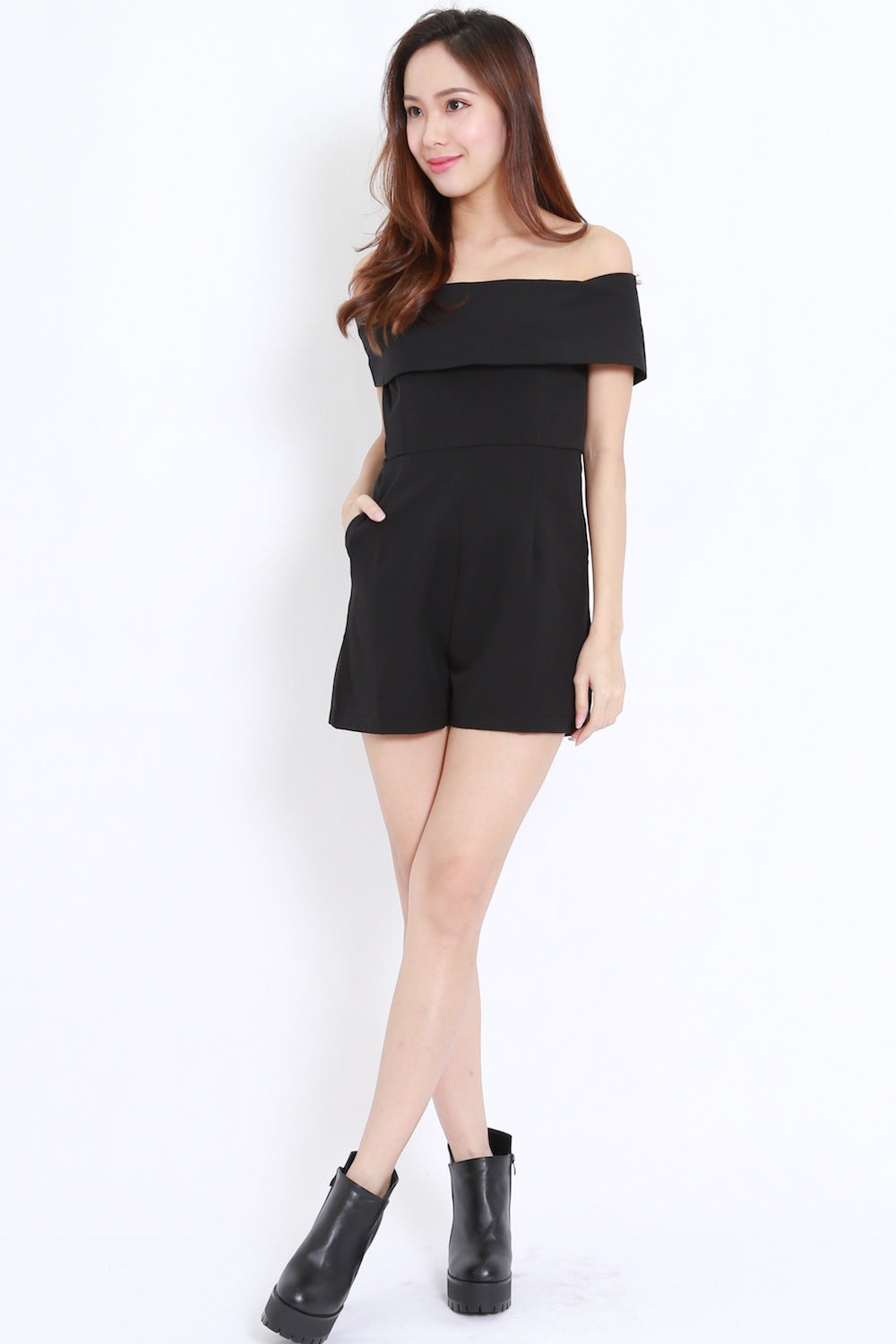 Bow Back Offsie Romper (Black)