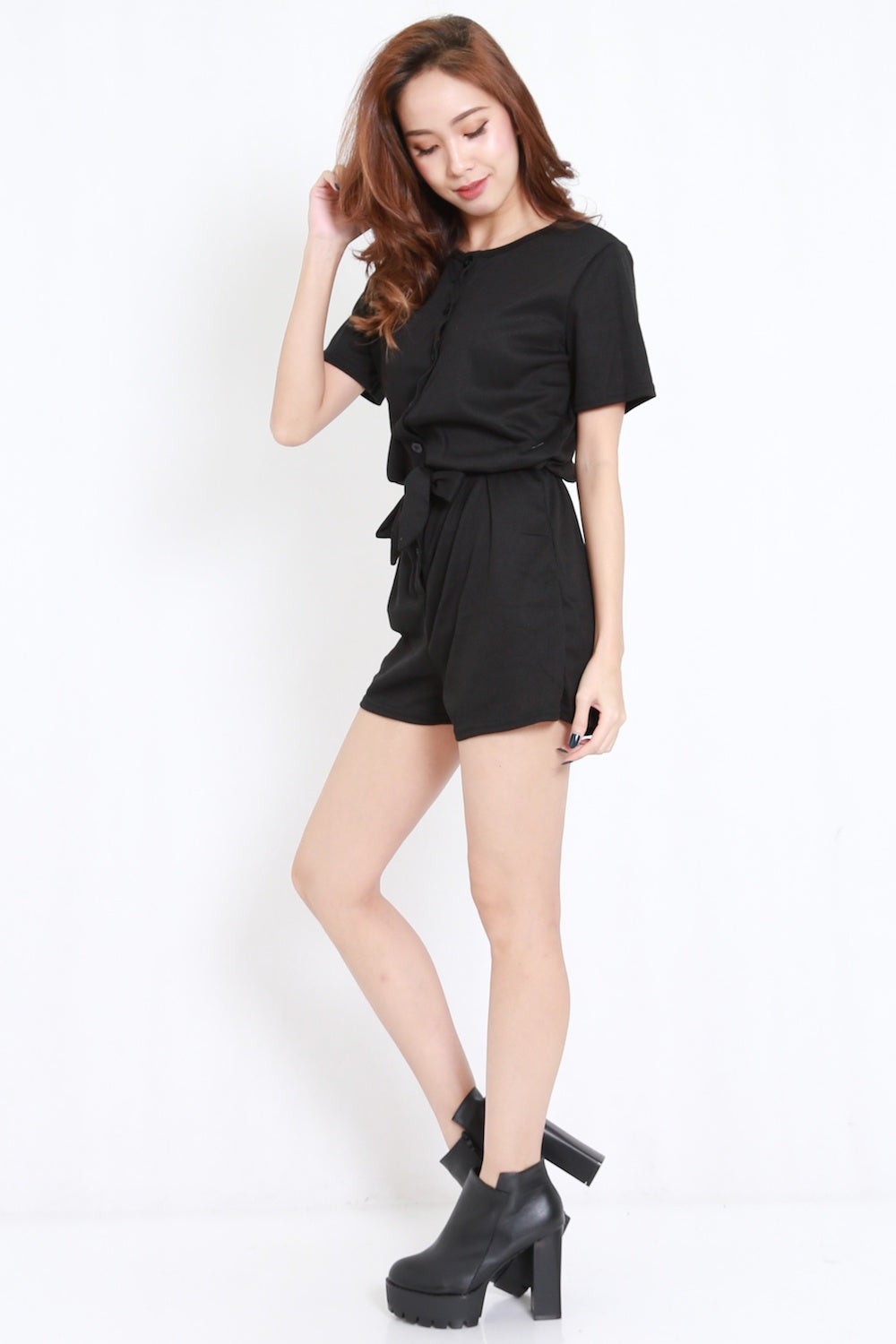 Buttons Ribbed Tie Romper (Black)