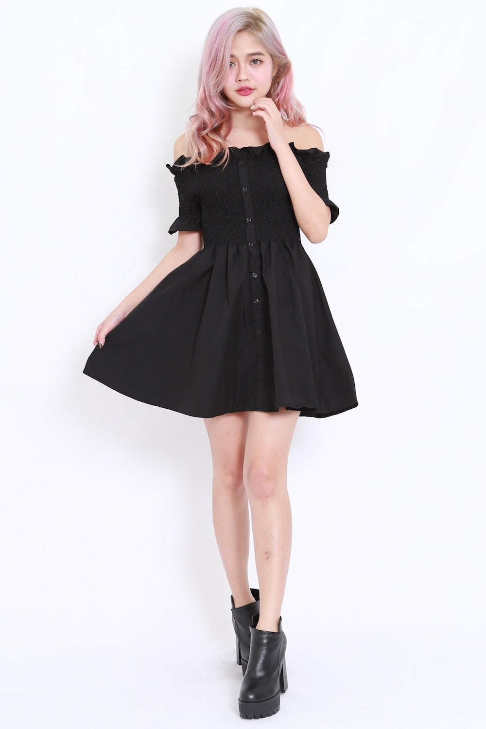 Buttons Smoked Offsie Dress SS (Black)