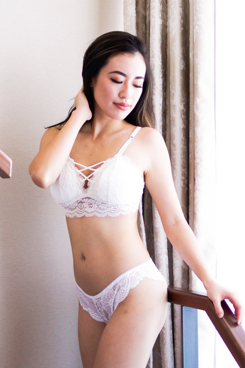 Criss Cross Lace Hem Bralette (White)