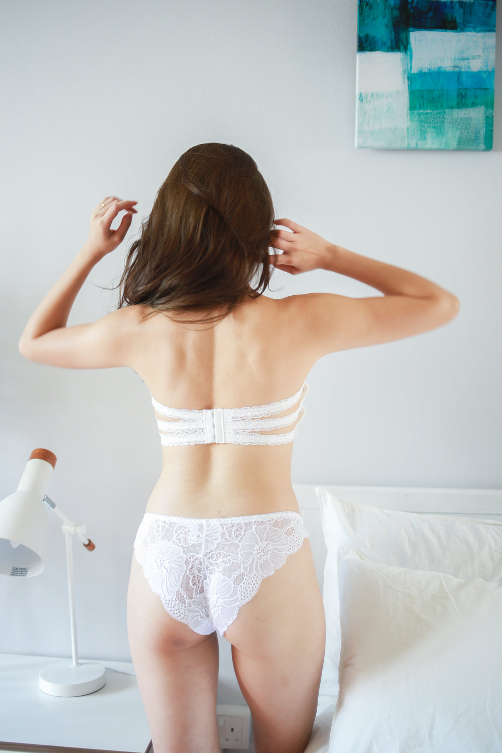 Eyelash Lace Hooked Bra (White)