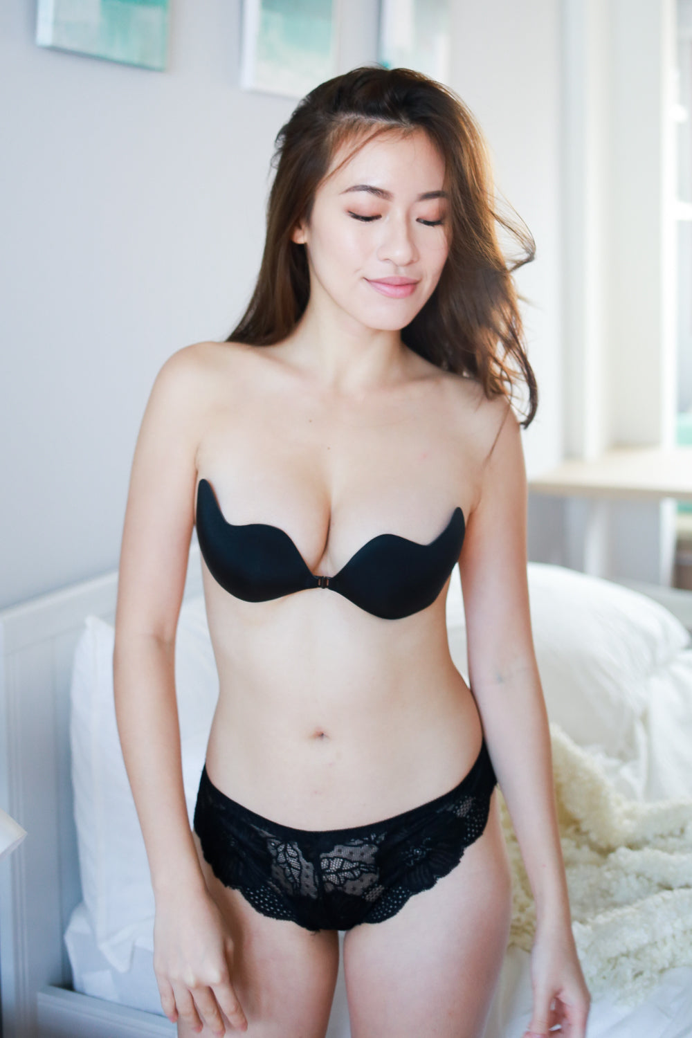 outstanding features aesthetic appearance the best attitude Low Cut Stick On Bra (Black)